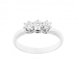 Trilogy in oro bianco 18 Kt 750/1000 con diamanti Kt 0.42