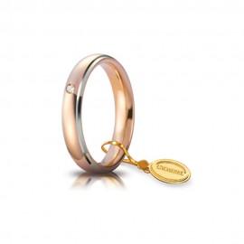 Fede Unoaerre in oro rosa con bordini bianchi, modello Comoda con brillante da ct 0, 03, lucida 40AFC1/0113 larghezza fascia 4mm